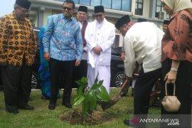 PMI UNP tanam 1.000 pohon di Bayang Utara