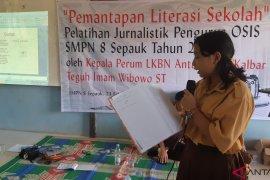 ANTARA - SMPN 8 Sepauk gelar pelatihan jurnalistik bagi siswa