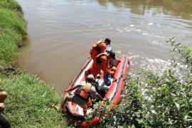Tim SAR Temukan Jenazah Bocah Hanyut di Sungai Tanggul