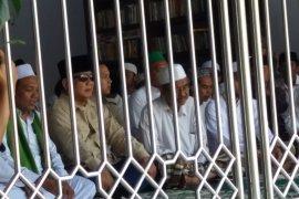 Prabowo Ziarah ke Makam Pahlawan Nasional di Situbondo (Video)