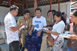 Dinas Kesehatan Denpasar pulangkan penderita skizofrenia Susastra ke rumahnya