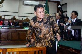 Wali Kota Pasuruan nonaktif Jalani Sidang Perdana Kasus Suap