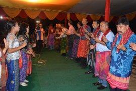 Bupati : pesta budaya kerja tahun tradisi masyarakat Karo