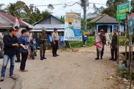 Bawaslu Bangka Tengah Tertibkan 61 APK Melanggar