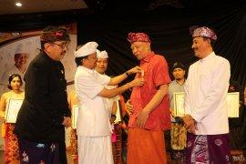 Koster Ajak Masyarakat Gunakan Bahasa Bali Setiap Hari