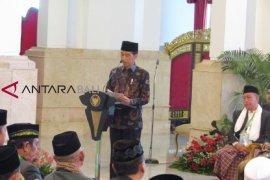 Di depan ulama, Jokowi bantah isu kawin sejenis dan adzan