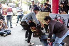 Solidaritas Jurnalis Bali datangi Kemenkumham terkait remisi pembunuh Prabangsa