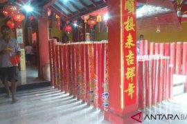 Warga Tionghoa padati kelenteng Hok Tek Che Tanjungpandan