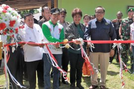 Mercy Barends : sumur artesis atasi krisis air di Maluku