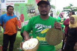 Sake durian khas Sukabumi yang langka