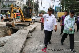 Pemkot Medan atasi banjir di kawasan HM Yamin dan Sutomo