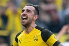 Barcelona lepas Paco Alcacer resmi permanen di Dortmund