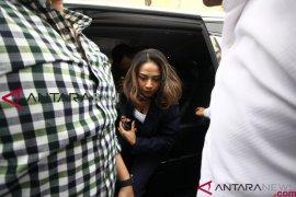 Vanessa Angel resmi ditahan, ayahnya pasrah
