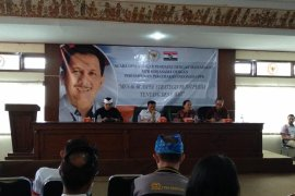 Pasek Suardika diskusikan aspek strategis Ranperda Desa Adat
