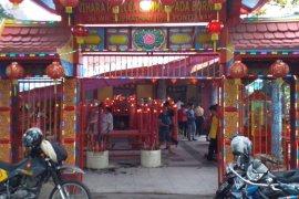 Warga Tionghoa Pontianak berharap kelancaran rezeki di Shio Babi Tanah