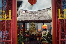 Imlek di Bandung diwarnai kebakaran Vihara Dharma Bhakti