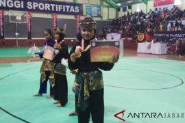Pesilat siswi SMP di Garut juarai nomor seni silat Asia-Eropa