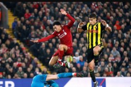 Juergen Klopp ungkap Alexander-Arnold bawa pulang bola kontra Watford