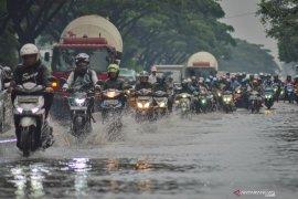 BMKG : Hujan turun di wilayah Bandung belum berarti musim kemarau berakhir