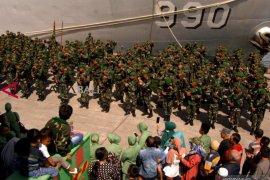 Pangdam XIV Hasanuddin lepas ratusan prajurit pengamanan Trans Papua