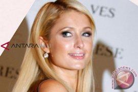 Paris Hilton ucapkan selamat pernikahan kepada Syahrini-Reino Barack