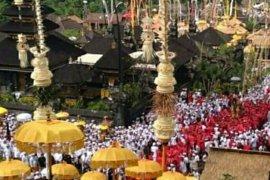 """Umat Hindu lakukan ritual """"Melasti"""" jelang Nyepi"""