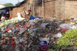 Ratusan ton sampah Karawang tidak terangkut ke TPA