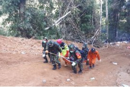 SAR gabungan kembali evakuasi dua kantong jenazah