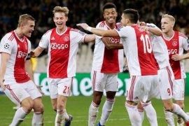 Ajax manfaatkan peluang Madrid tanpa Ramos