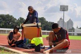 Kemampuan sprinter muda Erna Nuryanti diuji di tingkat Asia