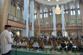 Plt Gubernur minta masyarakat jadikan Masjid pusat pemberdayaan umat