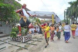 Jelang perayaan Nyepi di Palembang Page 3 Small