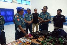Pomal Lantamal V tangkap perwira TNI AL gadungan