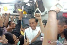 """Presiden pulang ke Bogor naik """"Commuter line"""""""
