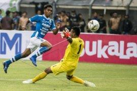 Persib dikalahkan Persebaya 2-3 pada Piala Presiden