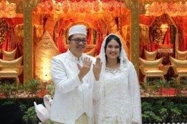 Mempelai di Padang menikah dengan mahar sembilan produk reksadana