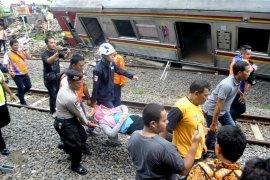 17 korban luka-luka KRL anjlok dievakuasi