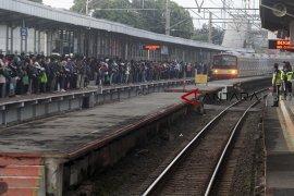 KRL Jakarta - Bogor kembali beroperasi