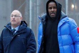 Video pelecehan seksual R. Kelly diserahkan ke polisi
