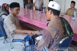 Seorang remaja asal Nias masuk Islam di Aceh Jaya