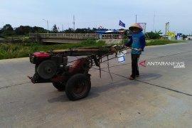 Bupati Mawardi berjanji salurkan traktor untuk petani