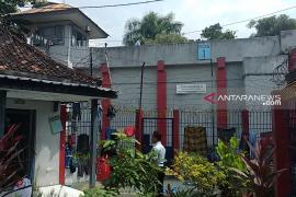 Polisi dan petugas LP Tulungagung kesulitan lacak jejak napi kabur