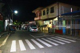 Lokasi dekat rumah terduga teroris di Sibolga disterilkan, ambulans disiapkan