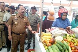 Wabup Sanggau sidak pasar tradisional