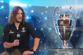 Carles Puyol sanjung Gerard Pique bek terbaik di dunia
