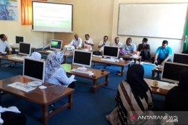 PT SBA salurkan 10 komputer untuk MIN di Aceh Besar