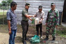 TNI bantu keluarga anak gizi buruk di Aceh Jaya