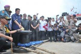 Peresmian Pengoperasian Pelabuhan Laut Tanjung Api-Api Page 2 Small