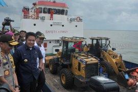 Peresmian Pengoperasian Pelabuhan Laut Tanjung Api-Api Page 1 Small