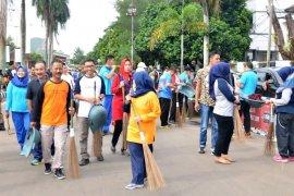 Pemkab Pandeglang lakukan gerakan kebersihan libatkan pelajar